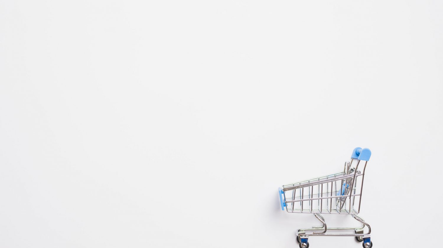 shopping-trolley-with-blue-handle